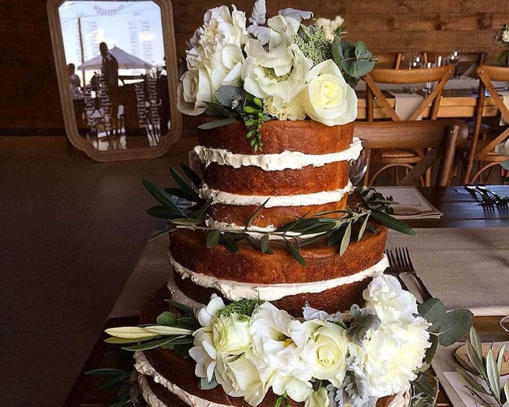 affordable wedding cakes north brisbane cairns wedding cakes south pacific bridal 61 7 4041 5644 10580